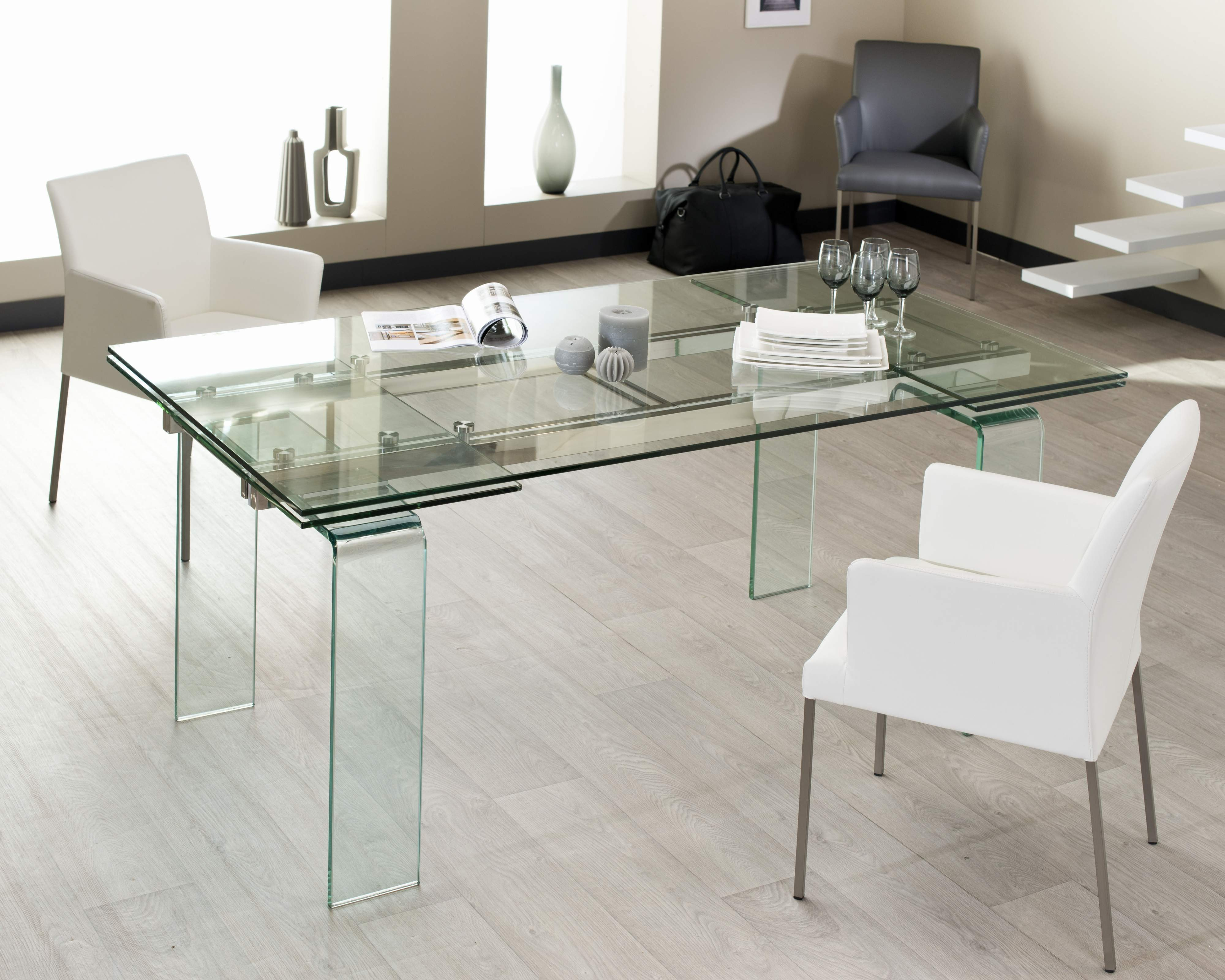 Table de salle a manger quartz verre 160 260 cm for Table a manger de salon