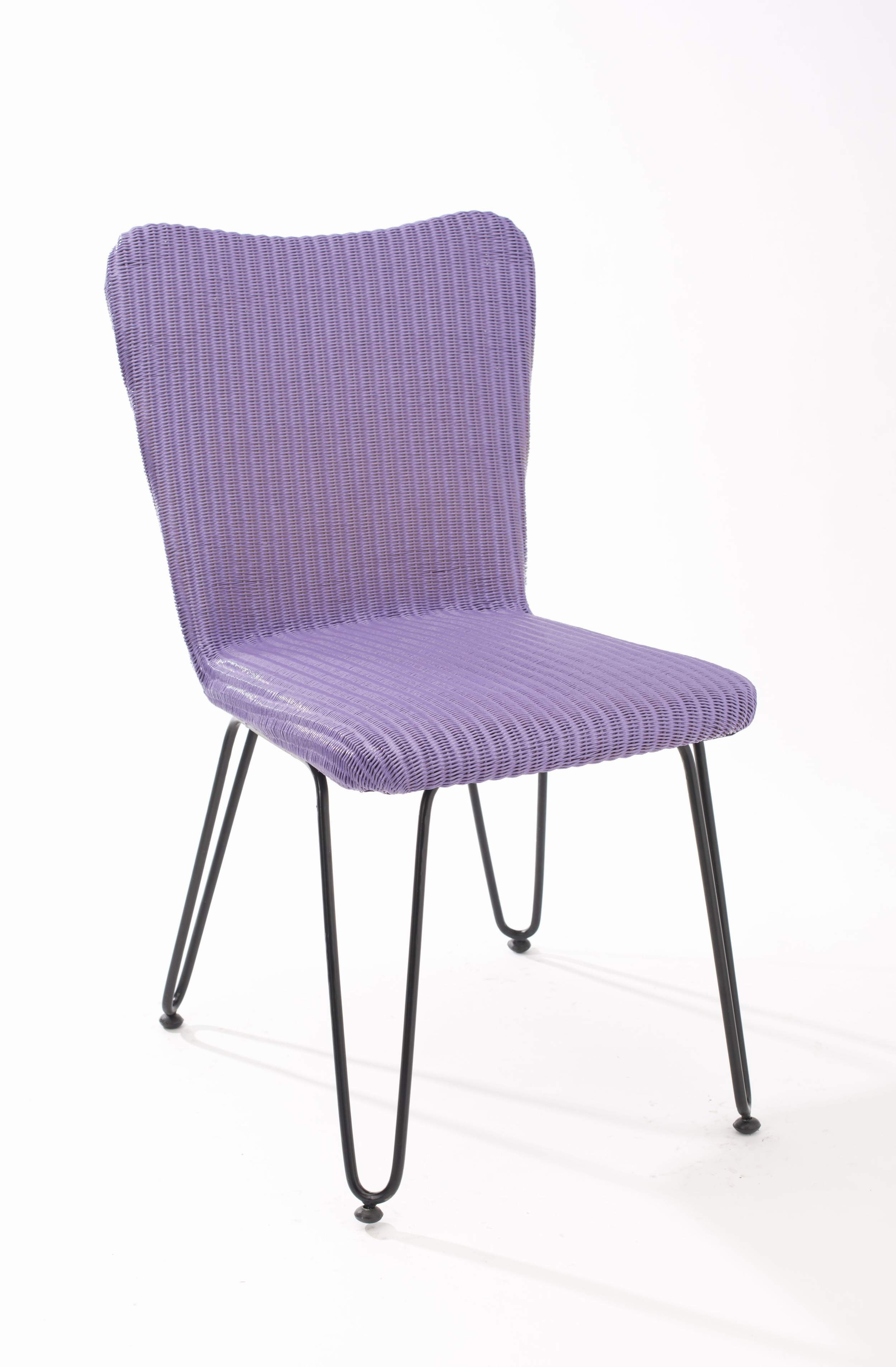 Chaise design luna lilas couleur mimosa for Table 6 laille