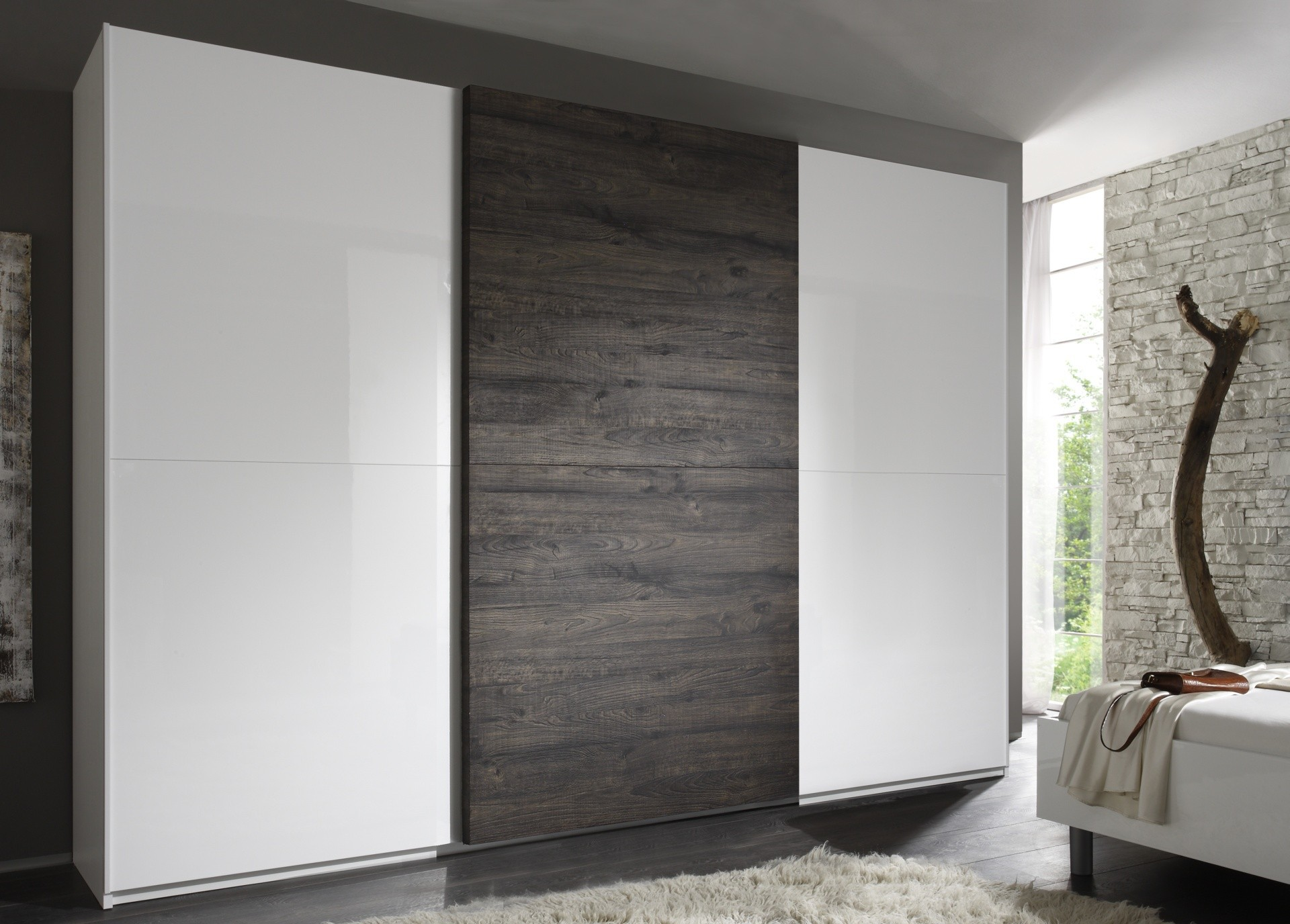 superbe armoire coulissante diff rentes dimensions prix. Black Bedroom Furniture Sets. Home Design Ideas
