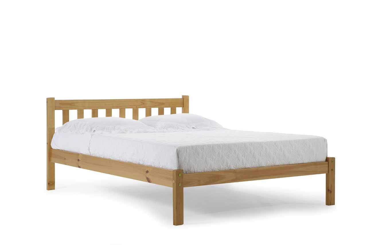 lits pin massif coloris miel antique 140x200 europe de l. Black Bedroom Furniture Sets. Home Design Ideas